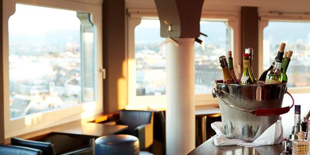 Best Bars Europe ~ Jules Verne / Photo: jules-verne.ch