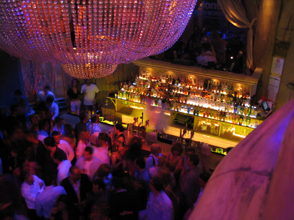 Nightclub | © Bruce Turner / Flickr