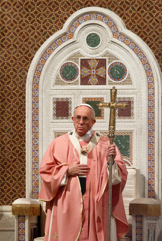 20151213T1340-13-CNS-POPE-HOLY-DOOR-LATERAN_800 (1).jpg
