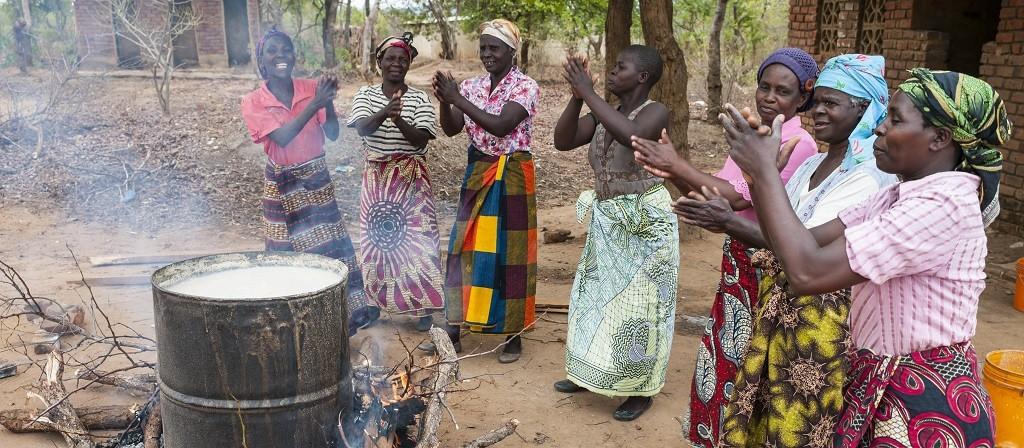 Malawi-Frauen-Bert-1024x449px-1024x448.jpg