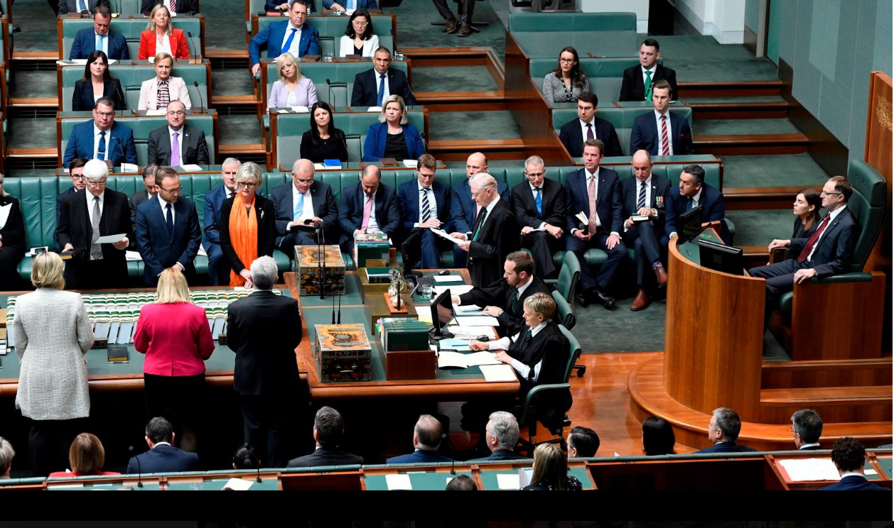 Helen Haines being sworn into the 46th Parliament of Australia