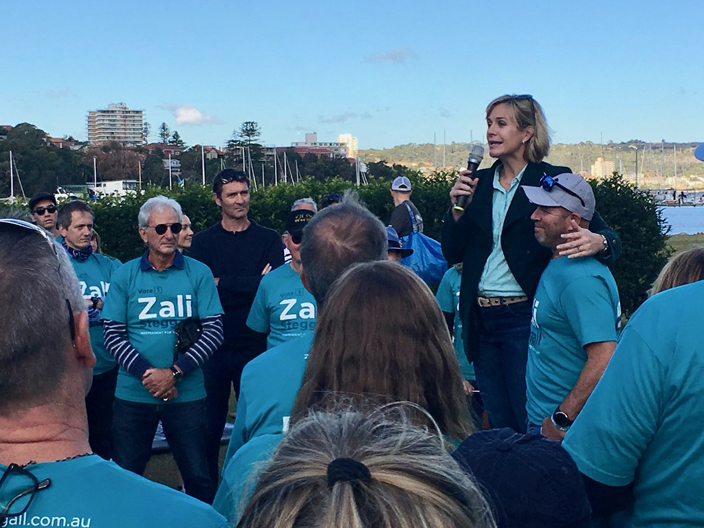 zali addresses volunteers at North Harbour Reserve in the final week of campaigning.jpg
