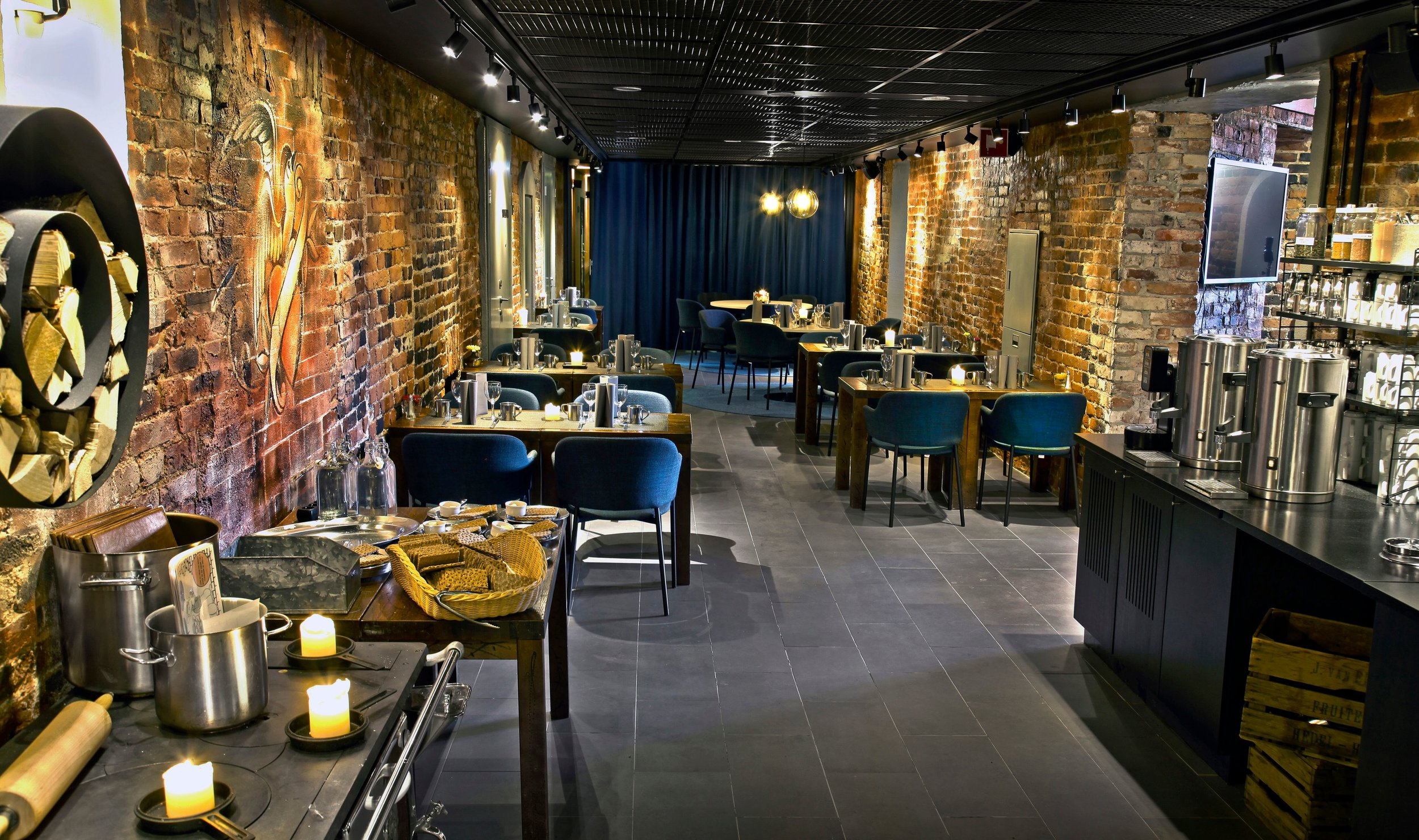Restaurant_Linnankellari_2_copyright_Nina_Pauloff.jpg