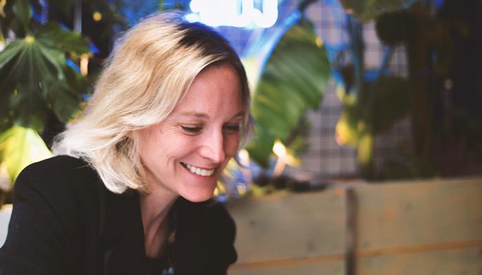 Stéphanie Triau-Entrepreneuse dans le bioplastique, bientôt gérante d'entreprise agricole, maman de deux petits garçons, prof… Aucune casquette ne lui fait peur, tant qu'elle peut trouver l'harmonie. - Son parfum Marcelle : Heliodor