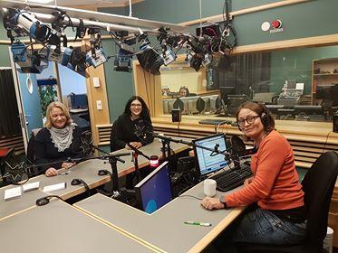 Statssekretær Kristin Holm Jensen, Loveleen Rihel Brenna, programleder Kari Ørstavik og Huda Ghalegolabi fra studio i London