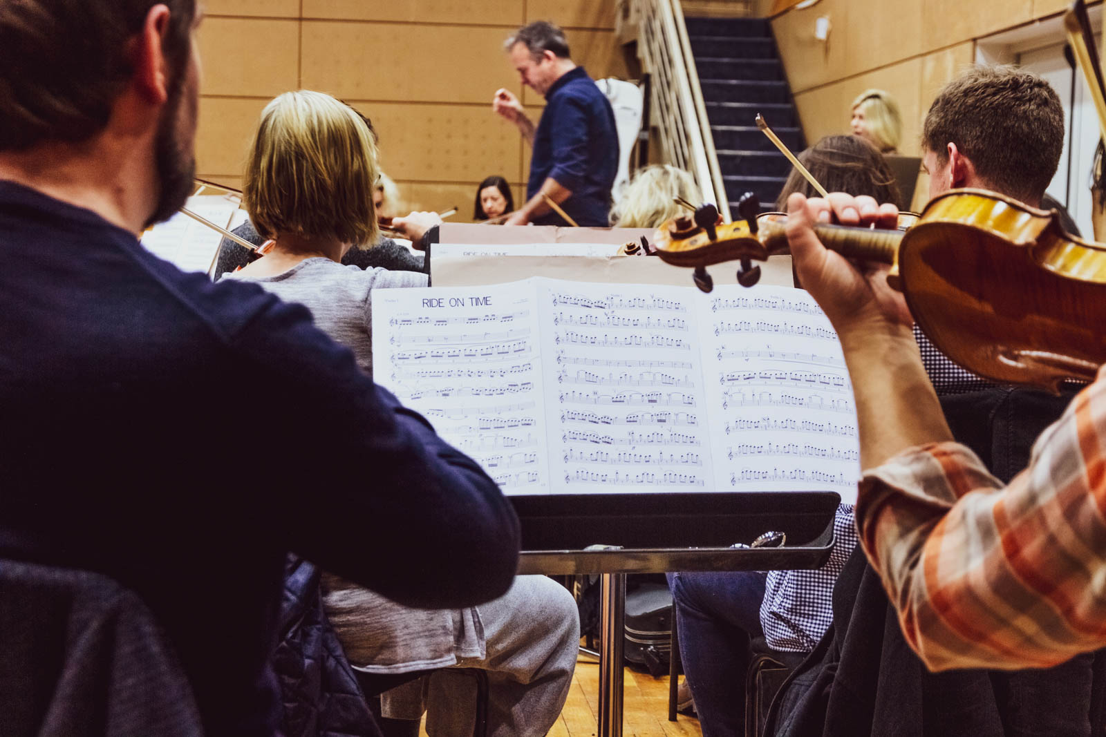 Gavin Murphy conducting rehearsals at RTÉ Radio Centre