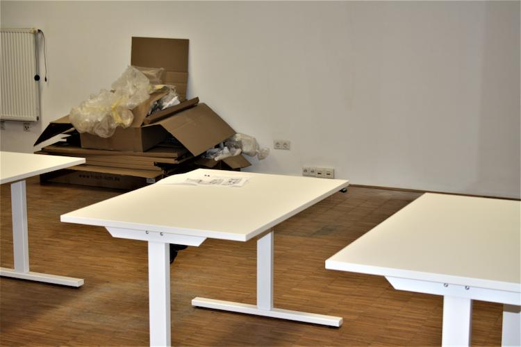 Büromöbel flexibel mieten mit Lendis @ Yilu 03.png