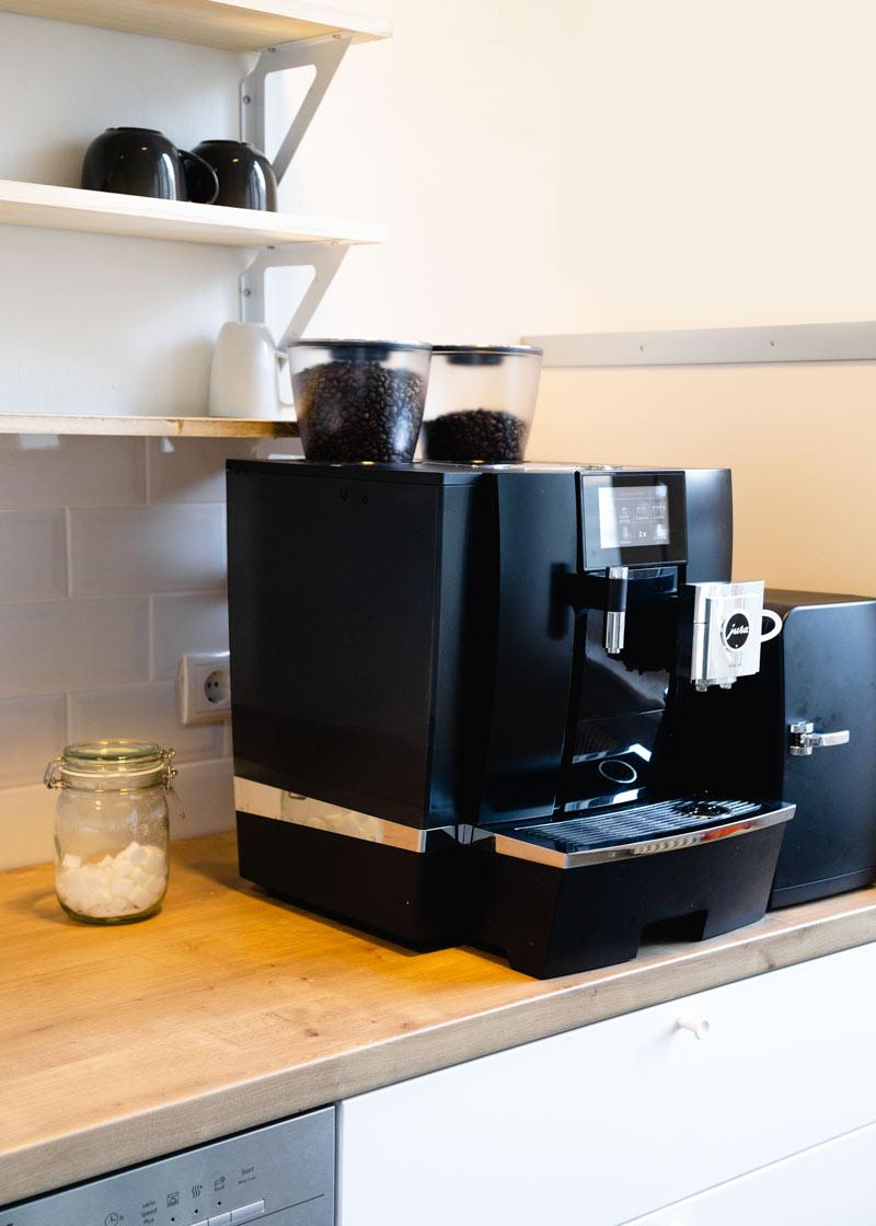 we-power-your-office-lendis-kaffeevollautomat-mieten.jpg
