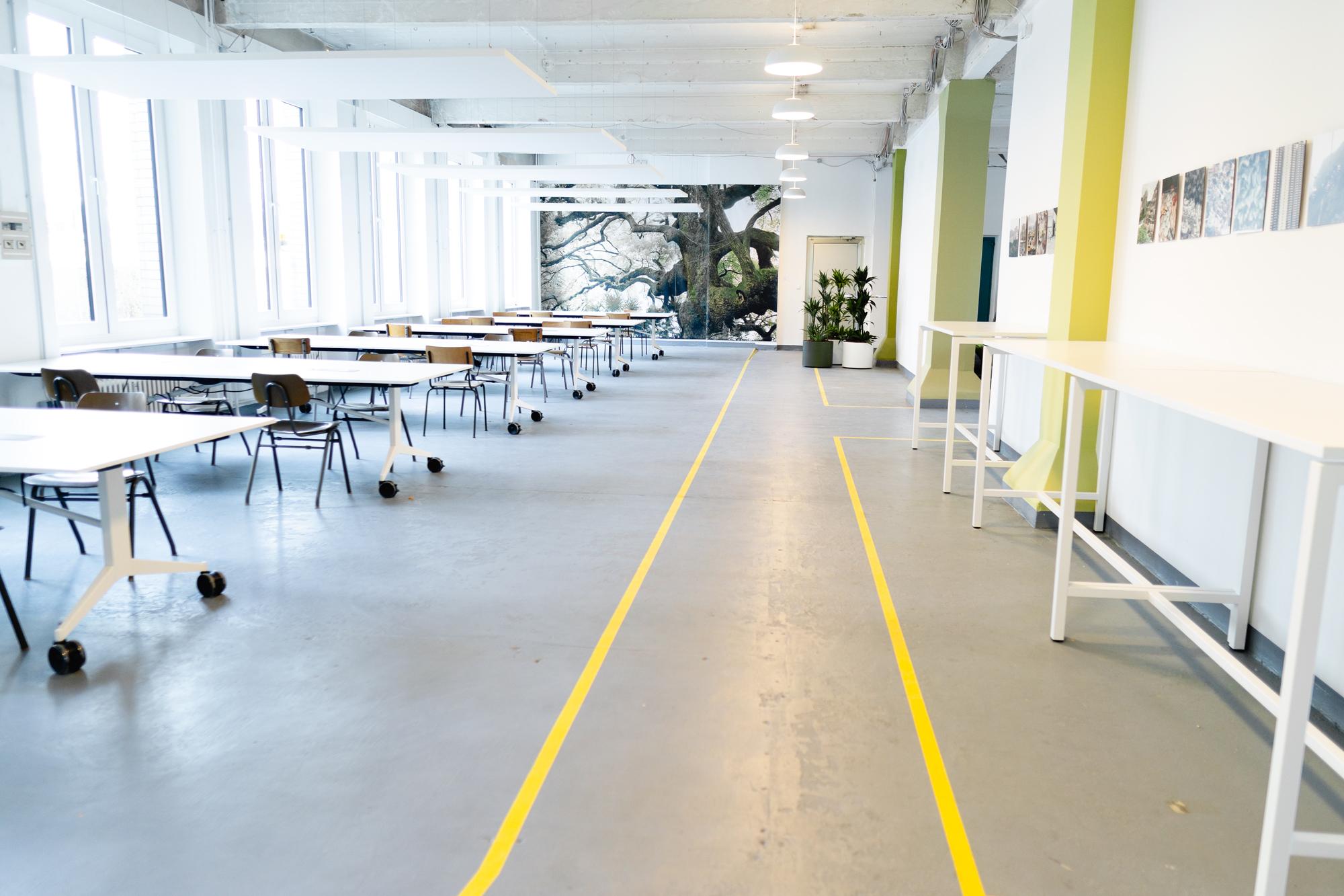 Der Open Space im Showroom des Berliner PropTech Start-ups intertempi