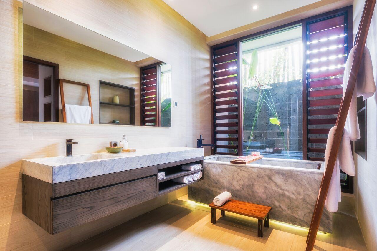villa bathroom.jpeg