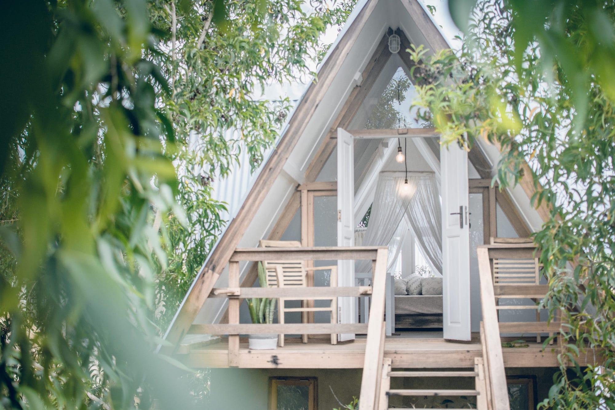 treehouse outside door open 2.jpg