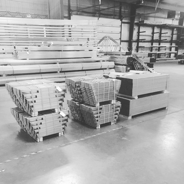 Benches on their way out! • Benching is easily one of the most important details when it comes to design your cultivation facility. We'll help you design just what you need (we've had people try to do it on their own and forget to design for aisle spacing 🤦‍♂️). . . . . . #TetraIndoor #cultivate #cannabis #cannabiscommunity #cannabisdaily #growsomethinggreen #greenhouse #farm365 #lightdep #indoorgrow #growroom #cbd  #thc #scrog #cannabinoid #sustainablecannabis #startup #agtech #tech #mmj