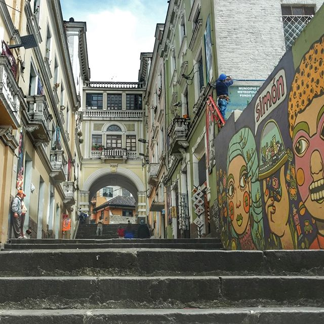 For #throwbackthursday we're going all the way to the lovely streets of Quito, Ecuador 🇪🇨 The architecture, food, and the vibrant people made me fall in love. When can I go back? - - - - - #quito #ecuador #visitecuador #throwback #architecture #southamerica #streetart #discoverquito #takemeback #exploremore #traveltheworld #sheisnotlost #ladieswhotravel #womentravelers