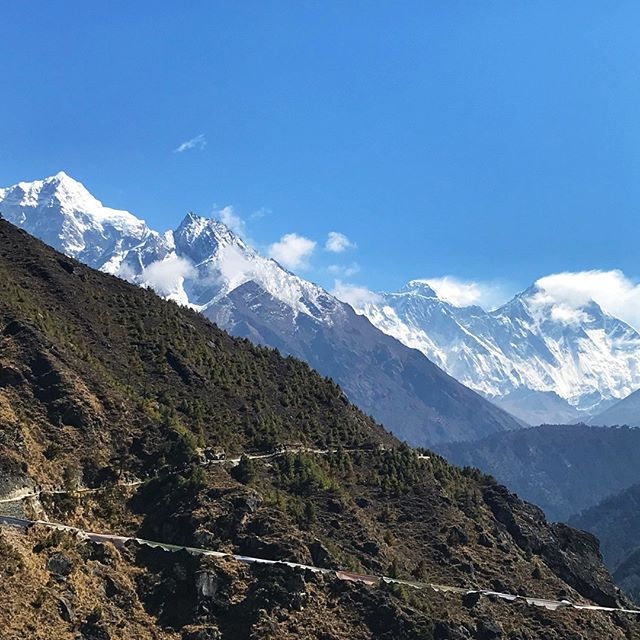 I can't wait to get in some amazing hikes this fall. I'm missing big views and long days in the trail. What is the last hike you went on? - - - - - #hikerbabes #hike #girlswhohike #hikelikeagirl #hikemore #peoplewhohike #happypeoplehike #ilovehiking #nepal #everestbasecamp #trekking #whoaxebc2018 #whoatravel #hikergirl