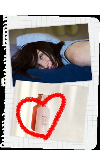 Fatigue matin femme au lit