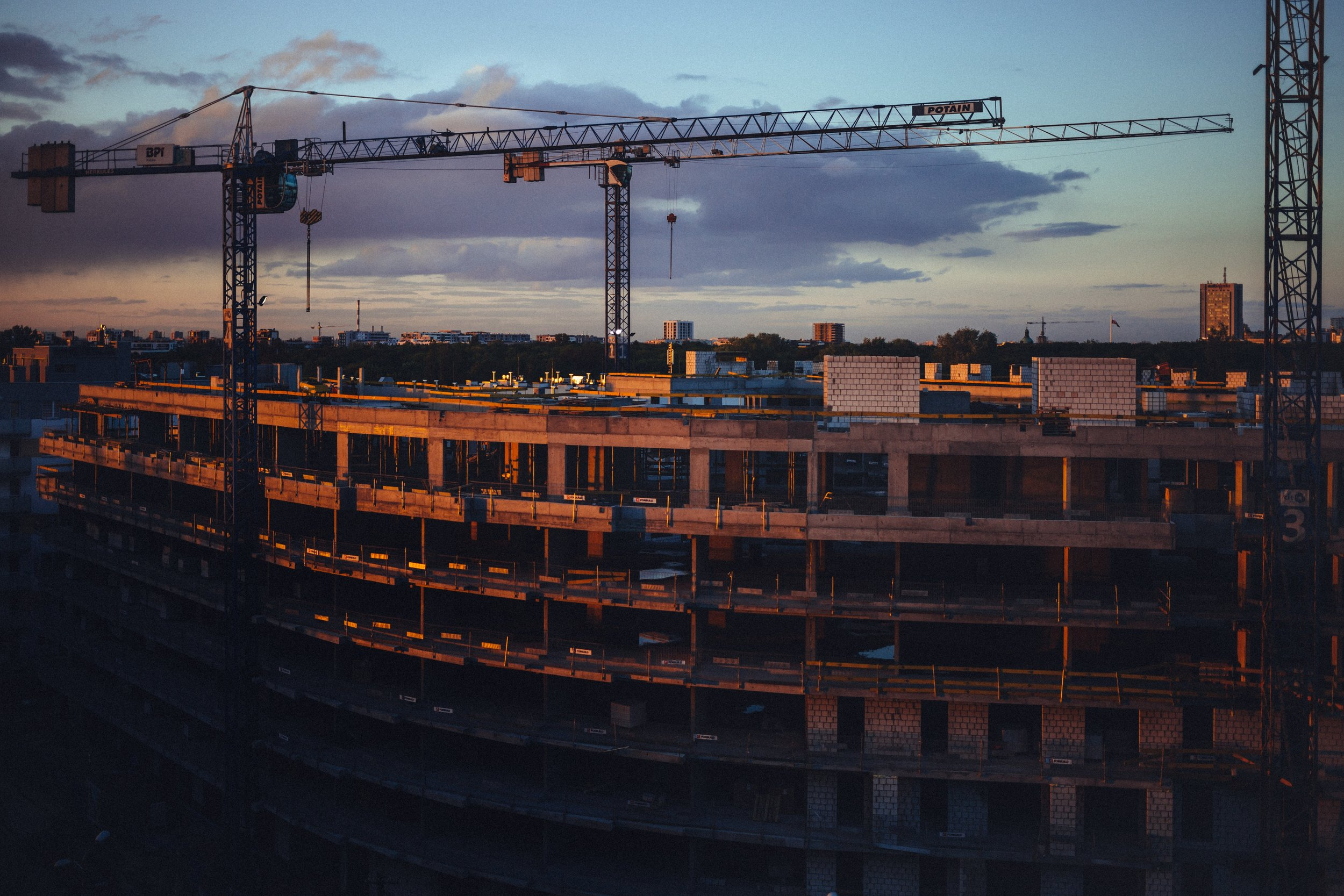 architecture-building-city-410730.jpg