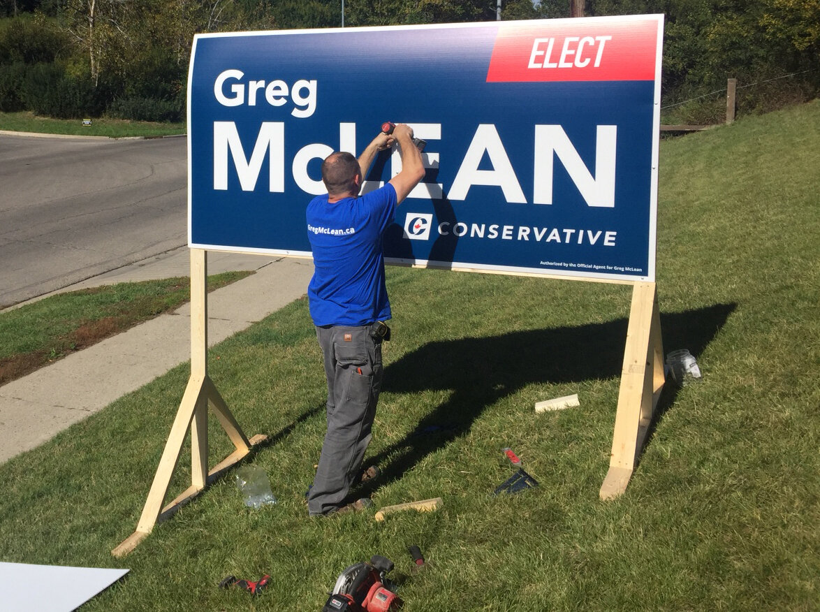 Teams of volunteers were around Calgary Centre this weekend putting up signs. I hope you noticed our presence growing. Still lots of locations in the queue - if yours hasn't arrived, be patient. There are more to come!