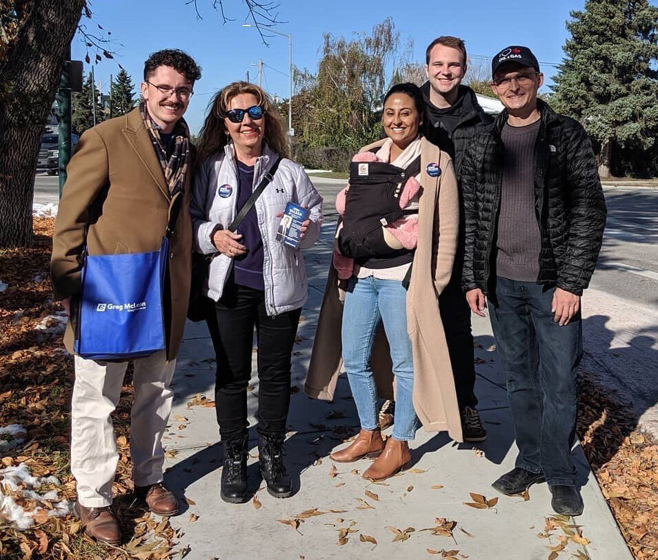 Calgary Shepard Member of Parliament Tom Kmiec also led a team of doorknockers in Altadore on Wednesday, October 2.