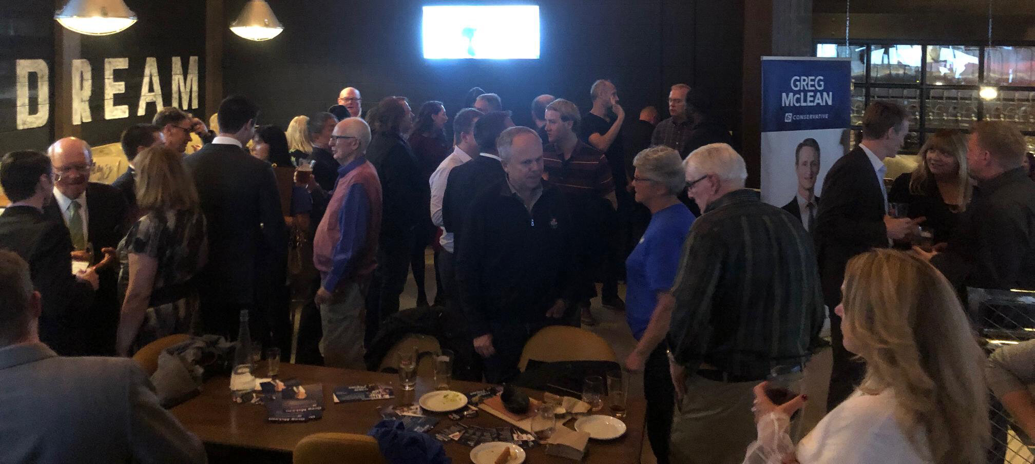 It was standing room only tonight (Friday Oct 4) at a Beltline community Meet-and-Greet event. I was pleased to meet and chat with many Calgary Centre residents living in the Beltline and throughout the riding, and hear about what issues are top of mind in this election (few surprises - our faltering economy and the rising cost of living topped the list).