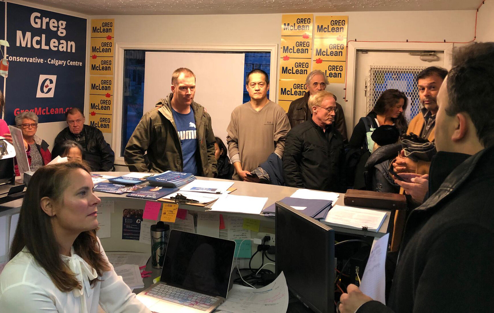 It was a packed house Thursday evening as volunteers came in for training on Election Day tasks. We still have a few jobs open for E-Day volunteers (scrutineers, doorknockers) - if interested, please sign up here to pick your job, location and shift:  https://volunteersignup.org/HJKQA