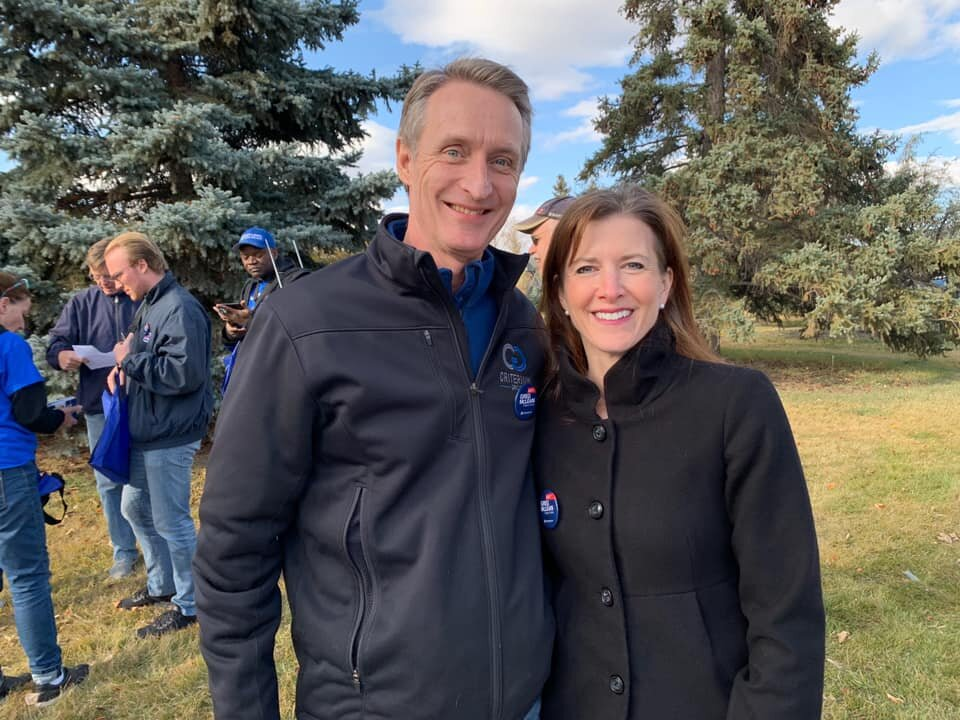 Alberta Minister and MLA Tanya Fir came with me on one of the last doorknock outings of the campaign, this time in Elboya. I appreciate her support all the way through.