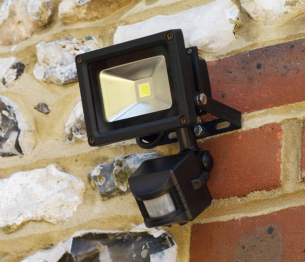 LED Flood Light w PIR.JPG