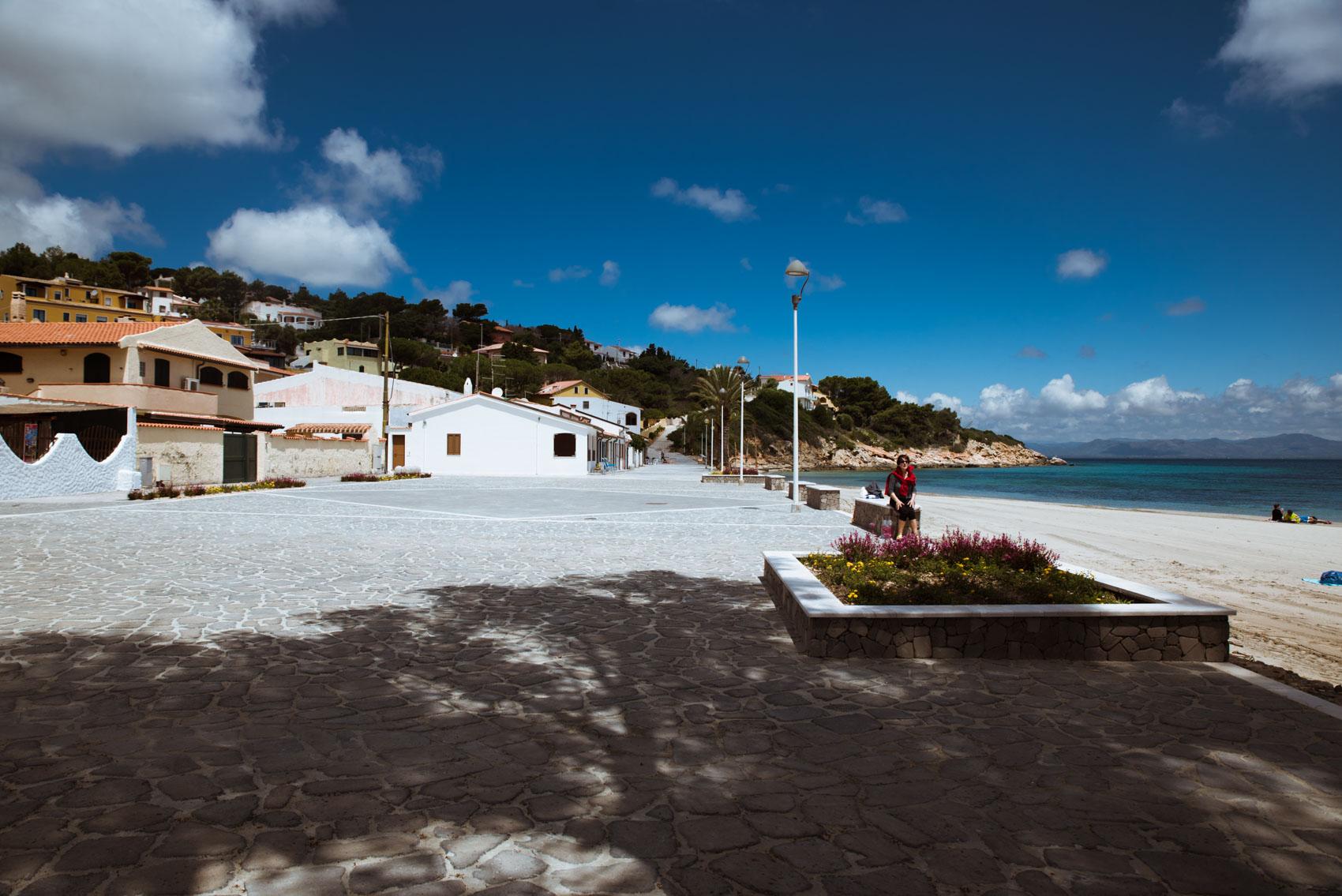 La Piazza della Spiaggia di Maladroxia