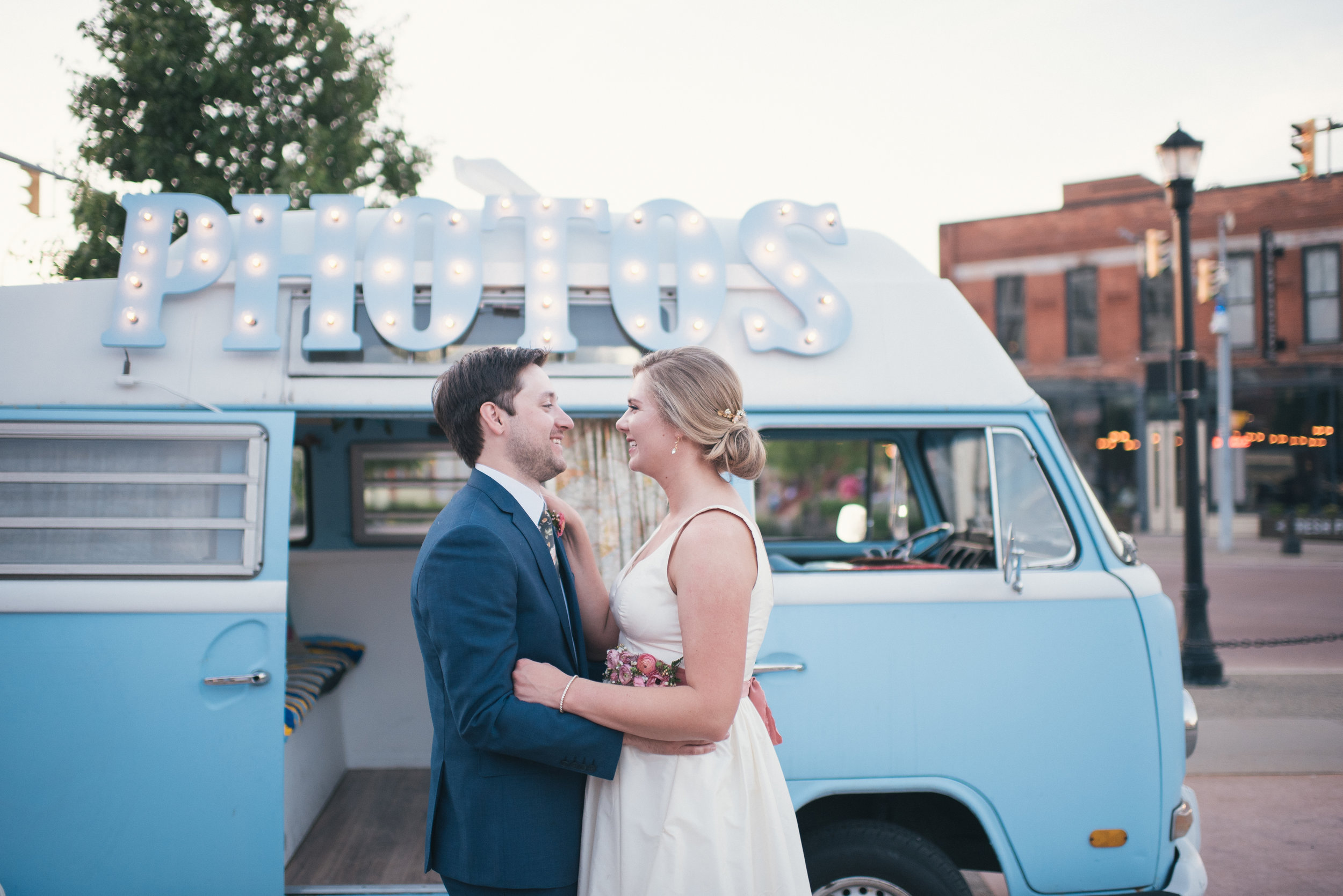What is a wedding coordinator? Wedding planner vs wedding coordinator. Social Maven | Wedding Planners Buffalo