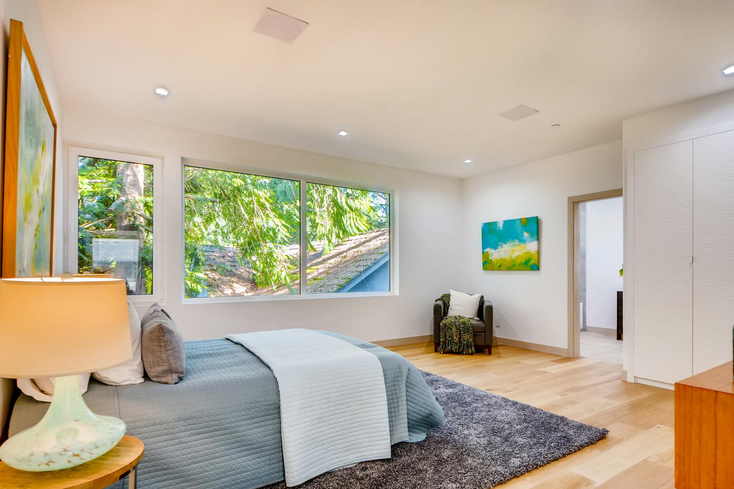 12410 Holmes Point Drive NE-print-027-3-2nd Floor Bedroom-4200x2802-300dpi.jpg