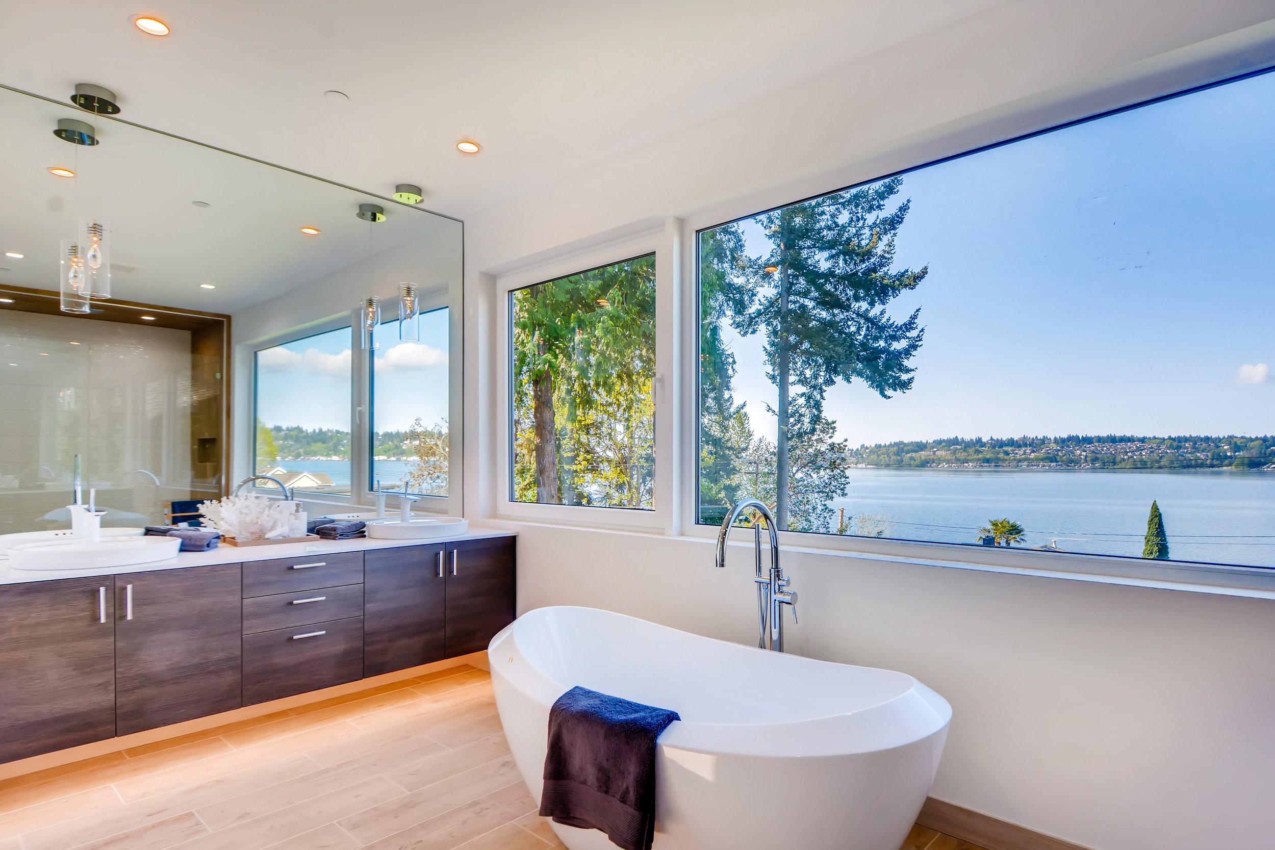 12410 Holmes Point Drive NE-print-022-40-2nd Floor Master Bathroom-4200x2802-300dpi.jpg