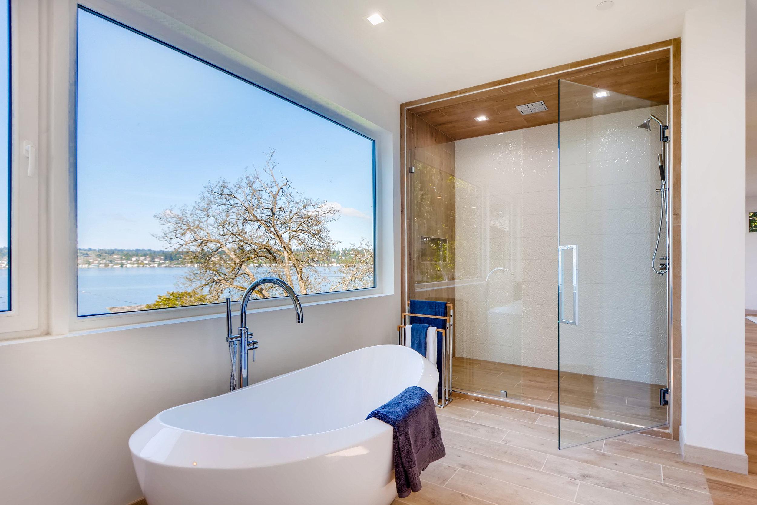 12410 Holmes Point Drive NE-print-023-25-2nd Floor Master Bathroom-4200x2802-300dpi.jpg