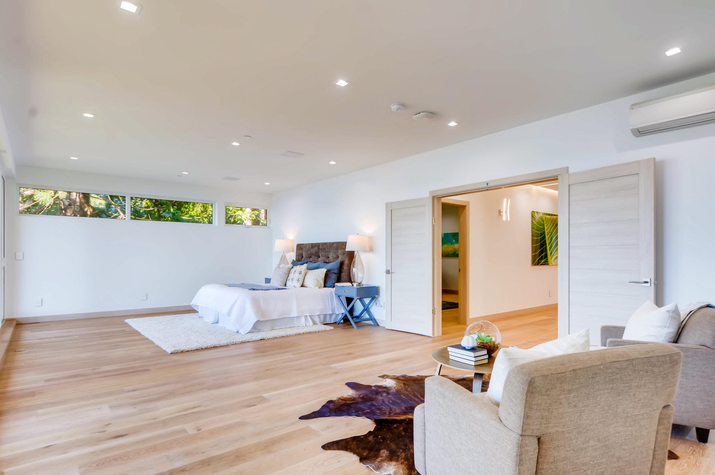 12410 Holmes Point Drive NE-print-020-18-2nd Floor Master Bedroom-4200x2790-300dpi.jpg