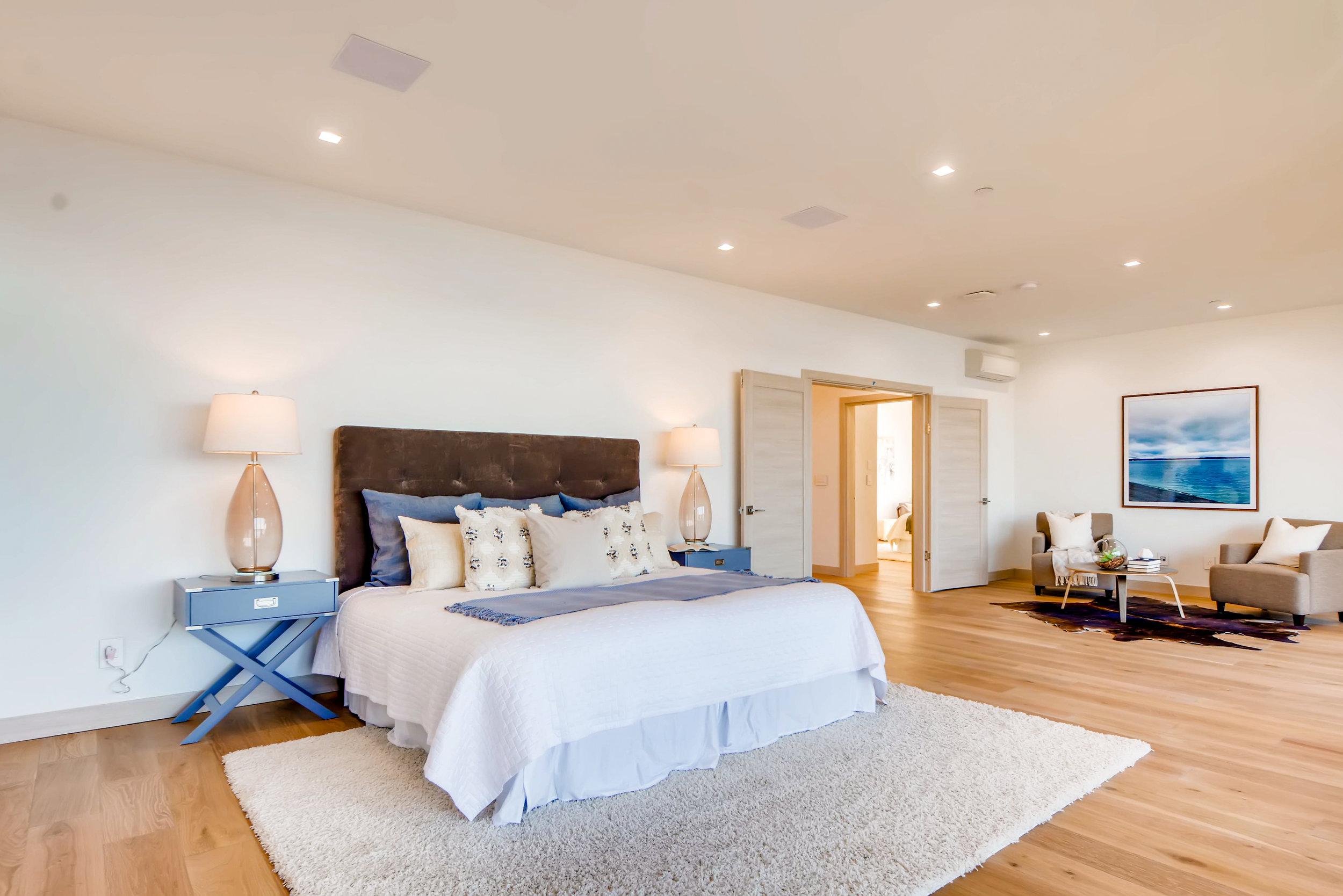 12410 Holmes Point Drive NE-print-018-36-2nd Floor Master Bedroom-4200x2803-300dpi.jpg