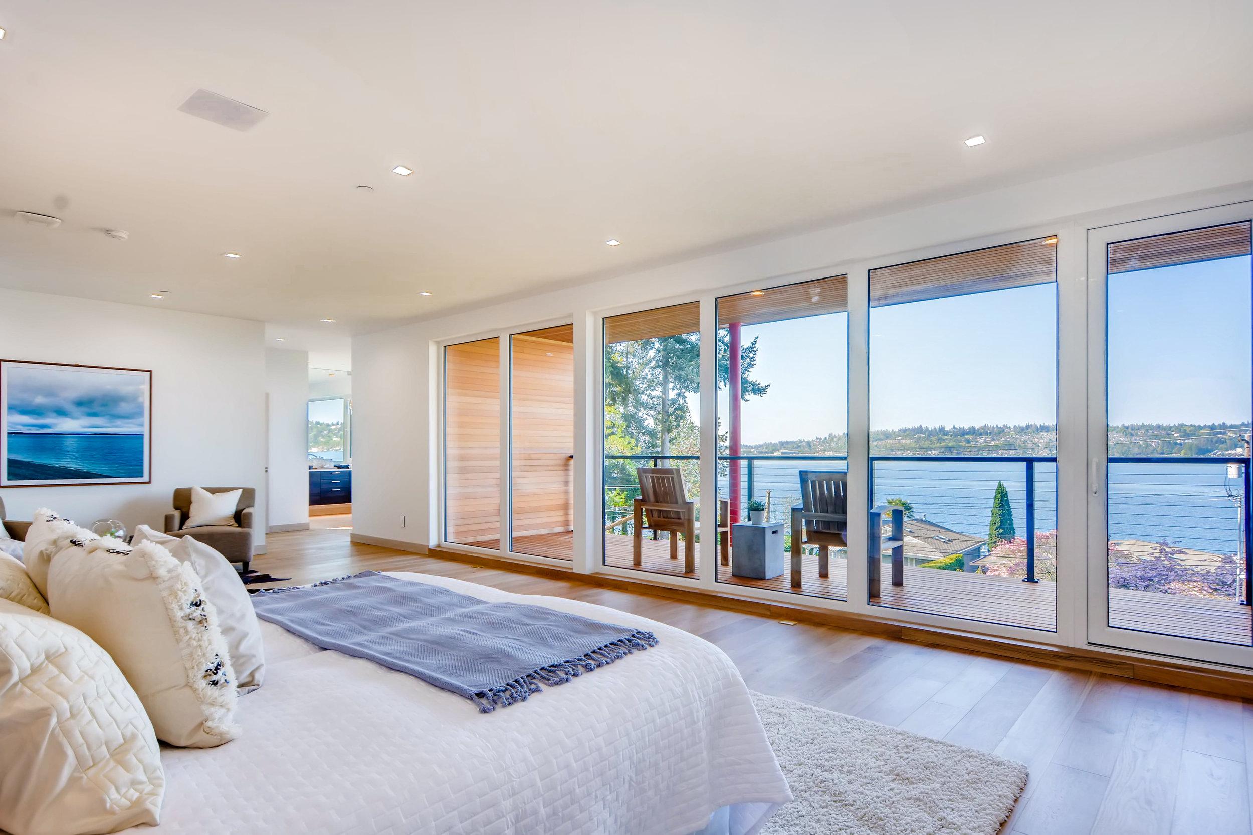 12410 Holmes Point Drive NE-print-019-10-2nd Floor Master Bedroom-4200x2802-300dpi.jpg