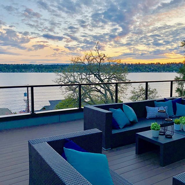 #pnw sunset 🌅 #lakewashington #holmespointmodern #seattlerealestate @luxuryhomemagazine