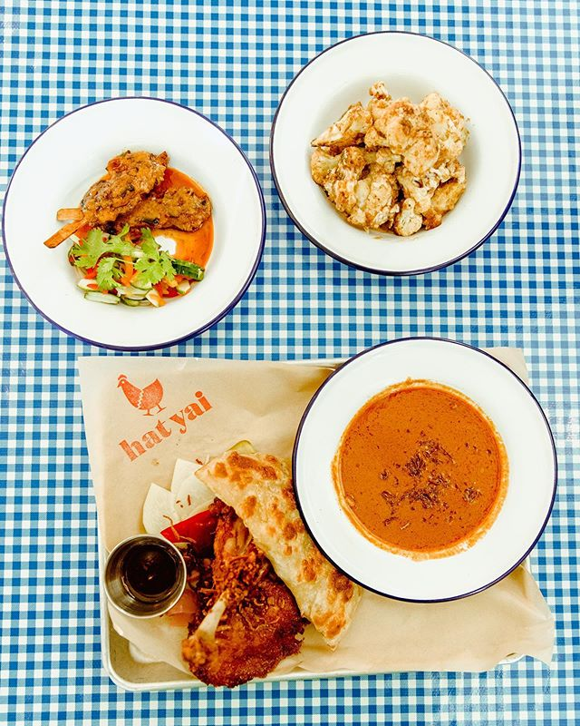 A shoutout to Southern Thai food from @hatyaipdx 🐓 featuring my favorite dish: The Curry & Roti Plates with rich Malayu-stule curry and roti (Thai pan-fried bread) to be enjoyed with  fried chicken. Would you try this? Tell me below! #foodiesnitchportland