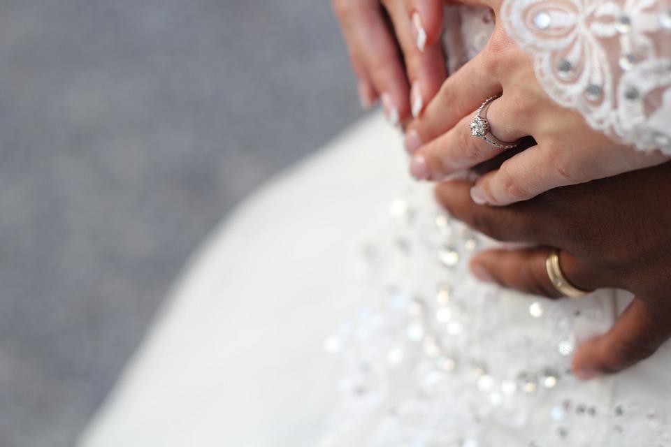 bridal-1081869_960_720.jpg