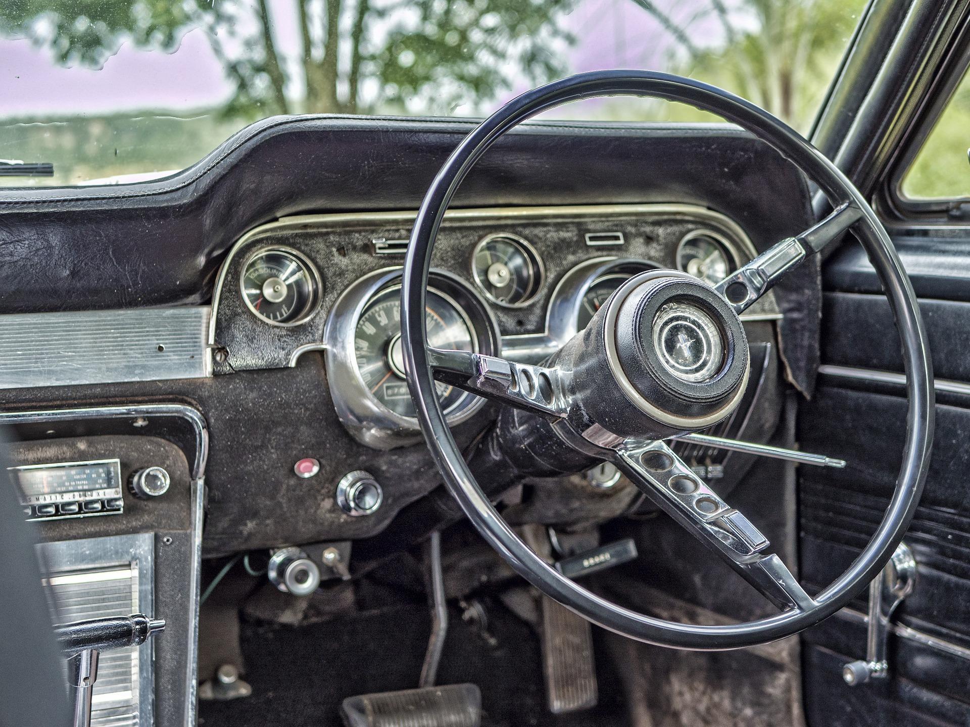 old-1184126_1920.jpg