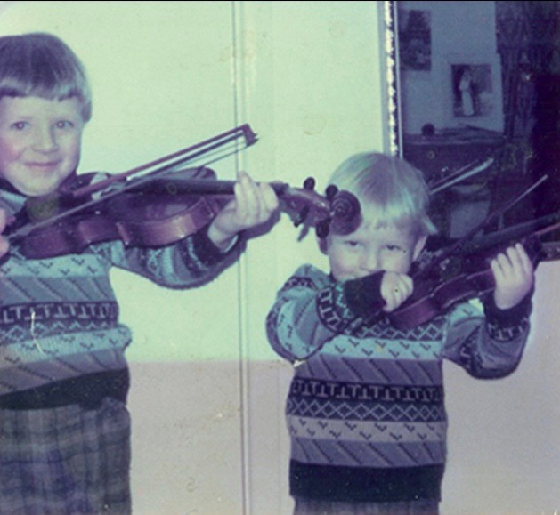 Stringfever Giles & Ralph aged about 2 and 4 Spring Hill.jpg