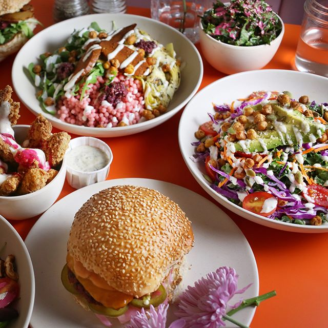 TFW you can't decide what to order, so you just get a bit of E-V-E-R-Y-T-H-I-N-G 🤤 clockwise food: Dream On! -  Flower Power -  Rah Rah Burger -  Chik'n Tenders 🌼🍗🍔