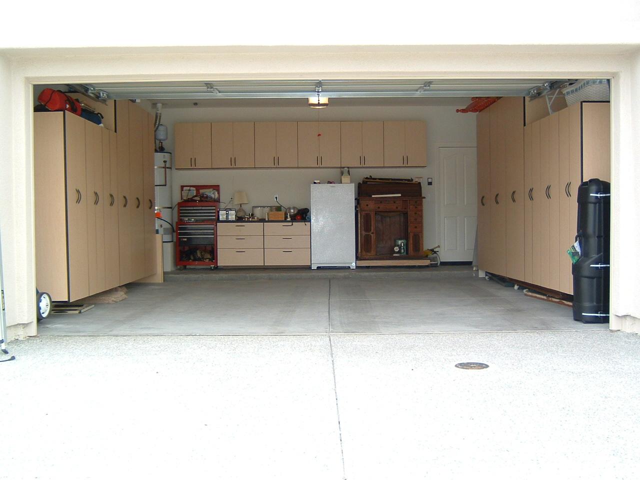 Roe's Garage Installed (1).JPG