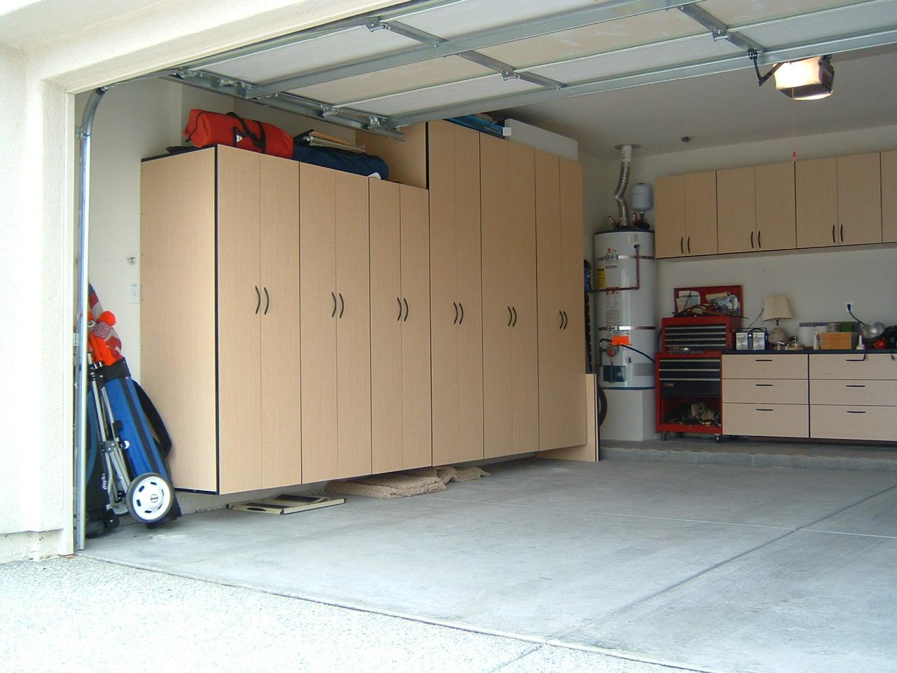 Roe's Garage Installed (2).JPG