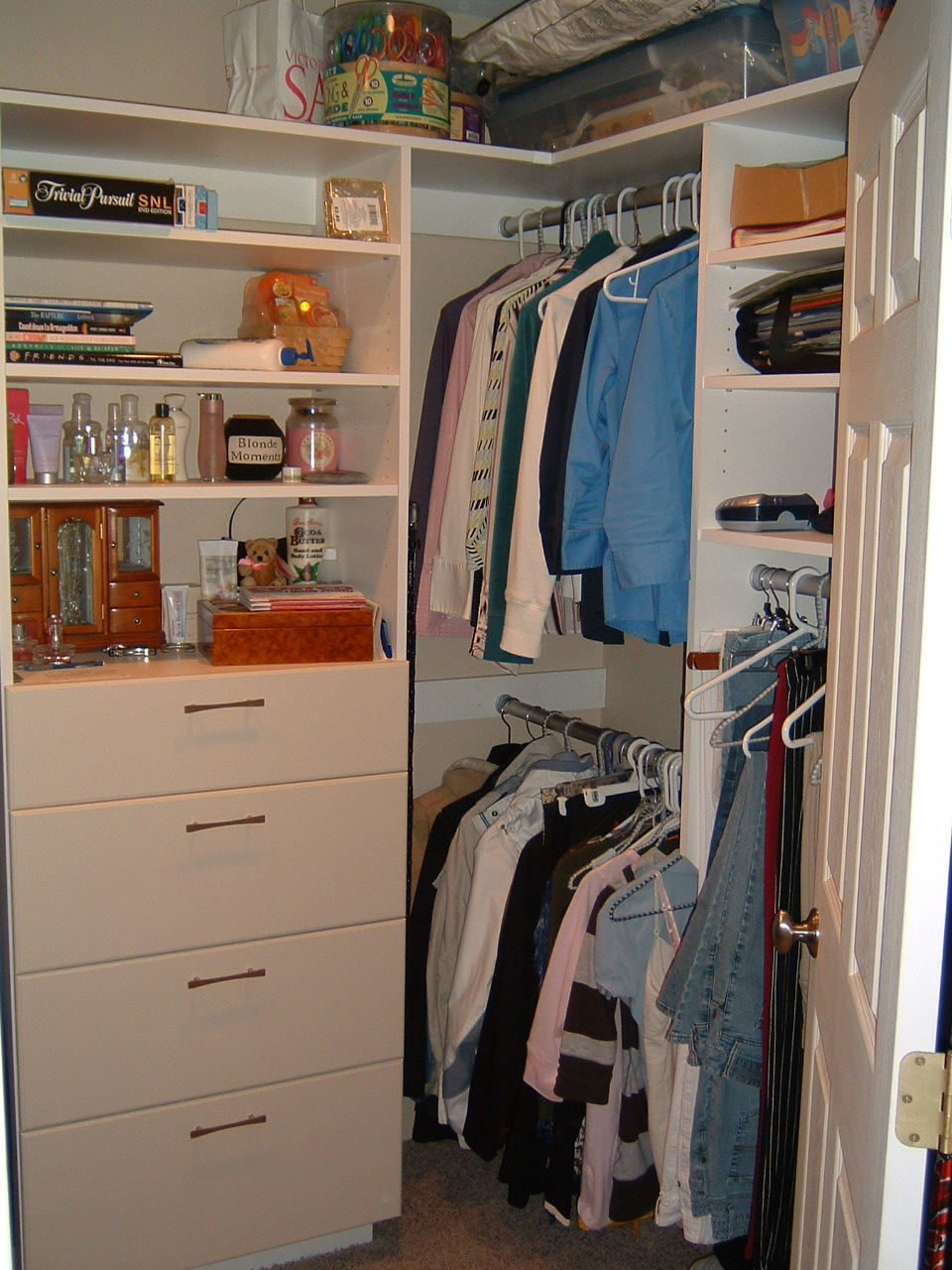 4-Nazaretta Closet .JPG