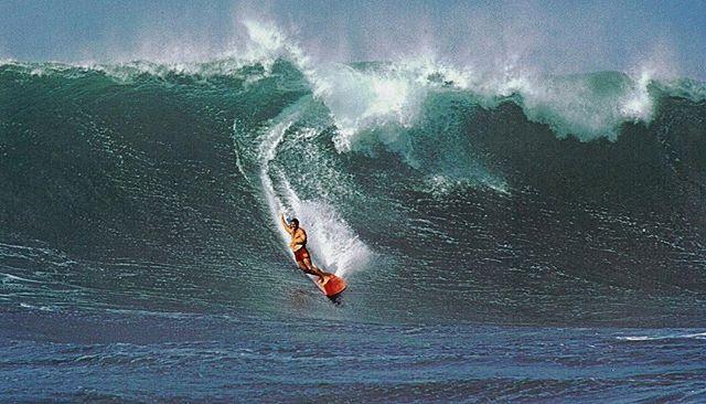 """""""To ride Waimea when it's big, is like stepping into an open elevator shaft. There is no place to go but straight down."""" Fred Hemmings • Fred Hemmings, Waimea. Photograph Courtesy of Fred Hemmings ⠀⠀⠀⠀⠀⠀⠀⠀⠀ ⠀⠀⠀⠀⠀⠀⠀⠀⠀ ⠀⠀⠀⠀⠀⠀⠀⠀⠀ ⠀⠀⠀⠀⠀⠀⠀⠀⠀ ⠀⠀⠀⠀⠀⠀⠀⠀ ⠀⠀⠀⠀⠀⠀⠀⠀⠀ ⠀⠀ ⠀⠀⠀⠀⠀⠀⠀⠀⠀ ⠀⠀⠀⠀⠀⠀⠀⠀⠀ ⠀⠀⠀⠀⠀⠀⠀⠀ ⠀ ⠀⠀⠀⠀⠀⠀⠀ #podaloha #aloha #surfing #surf #surflegends #surflegend #waimea #hawaii #surfhistory #podcast #hawaiian #spiritofaloha"""