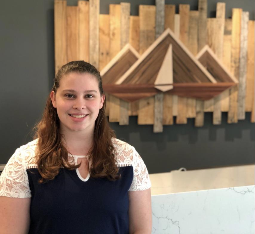 Hannah Kuracina - High School: Redmond College: University of WaterlooHannah returns to the University of Waterloo in preparation for her PT applications and interviews.
