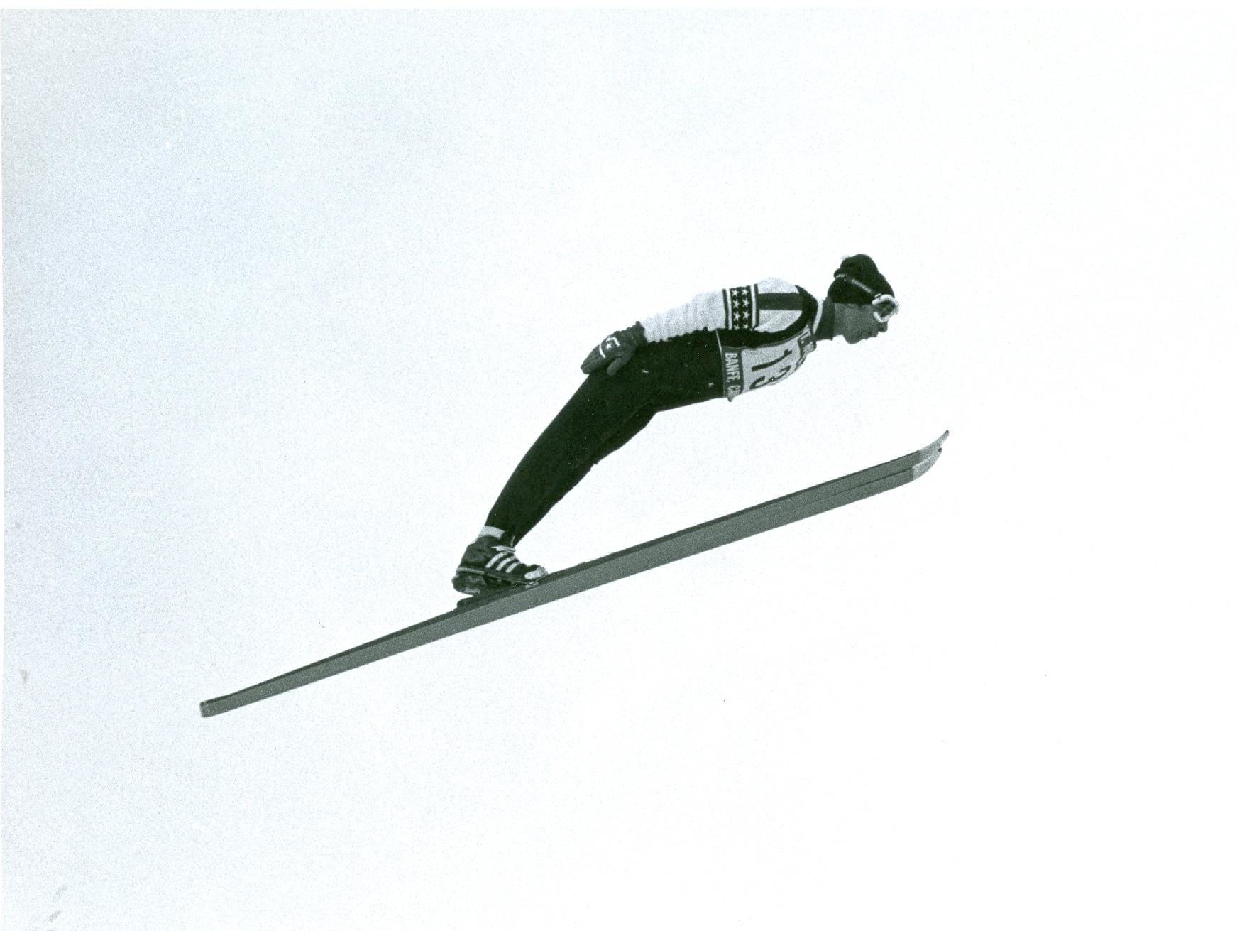 2010.027.004i - Unidified jumper.jpg