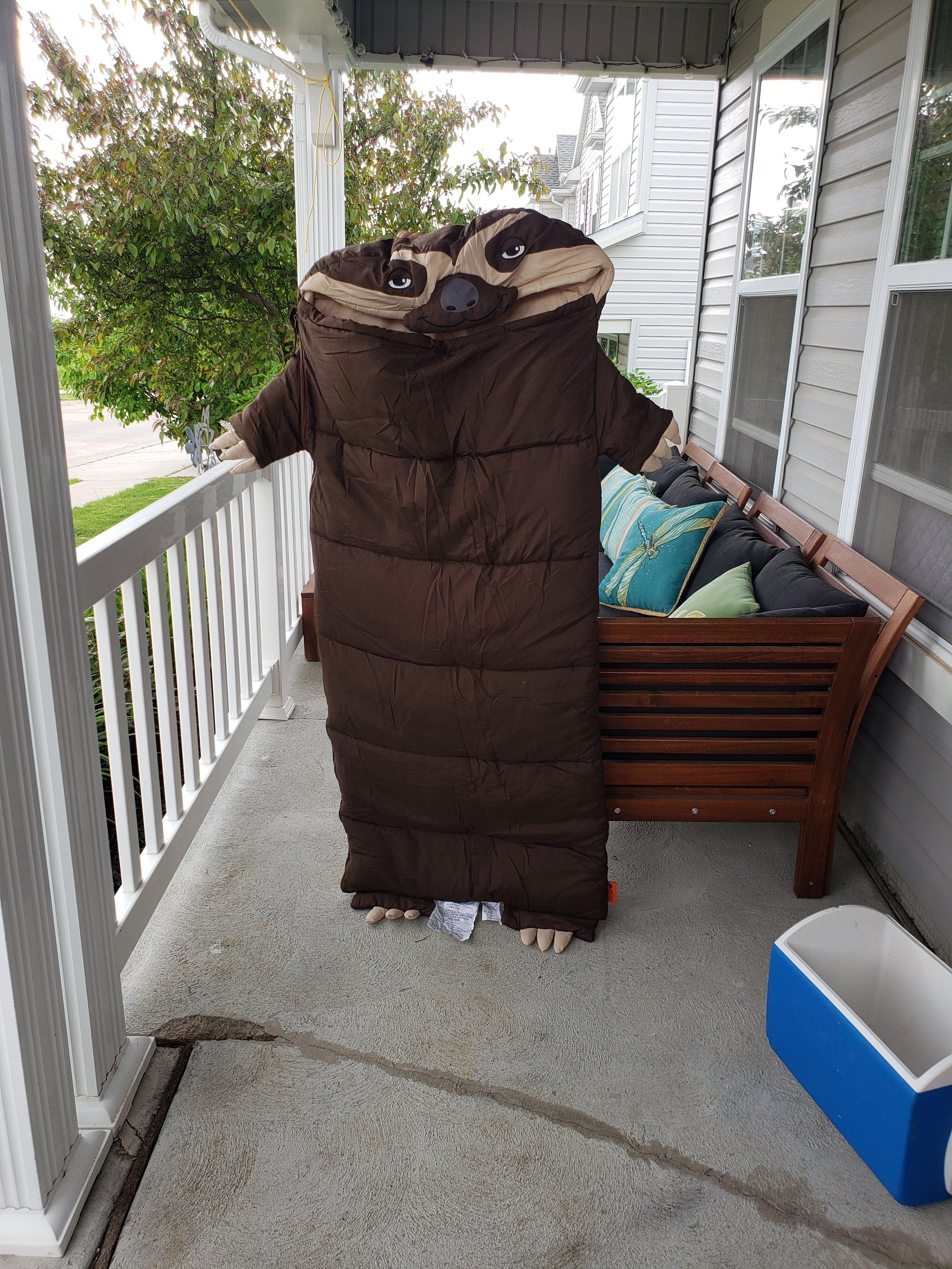 But look how cute D2's sleeping bag is squee!