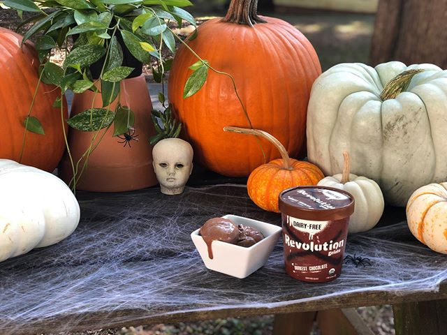 Halloween is just days away! Stay on theme and treat yourself to some of our DARKEST Chocolate 🎃 🍫  #righteousfelon #writeyourownrules