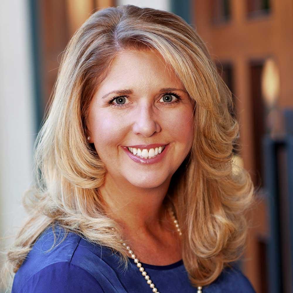 Julie Valpoon