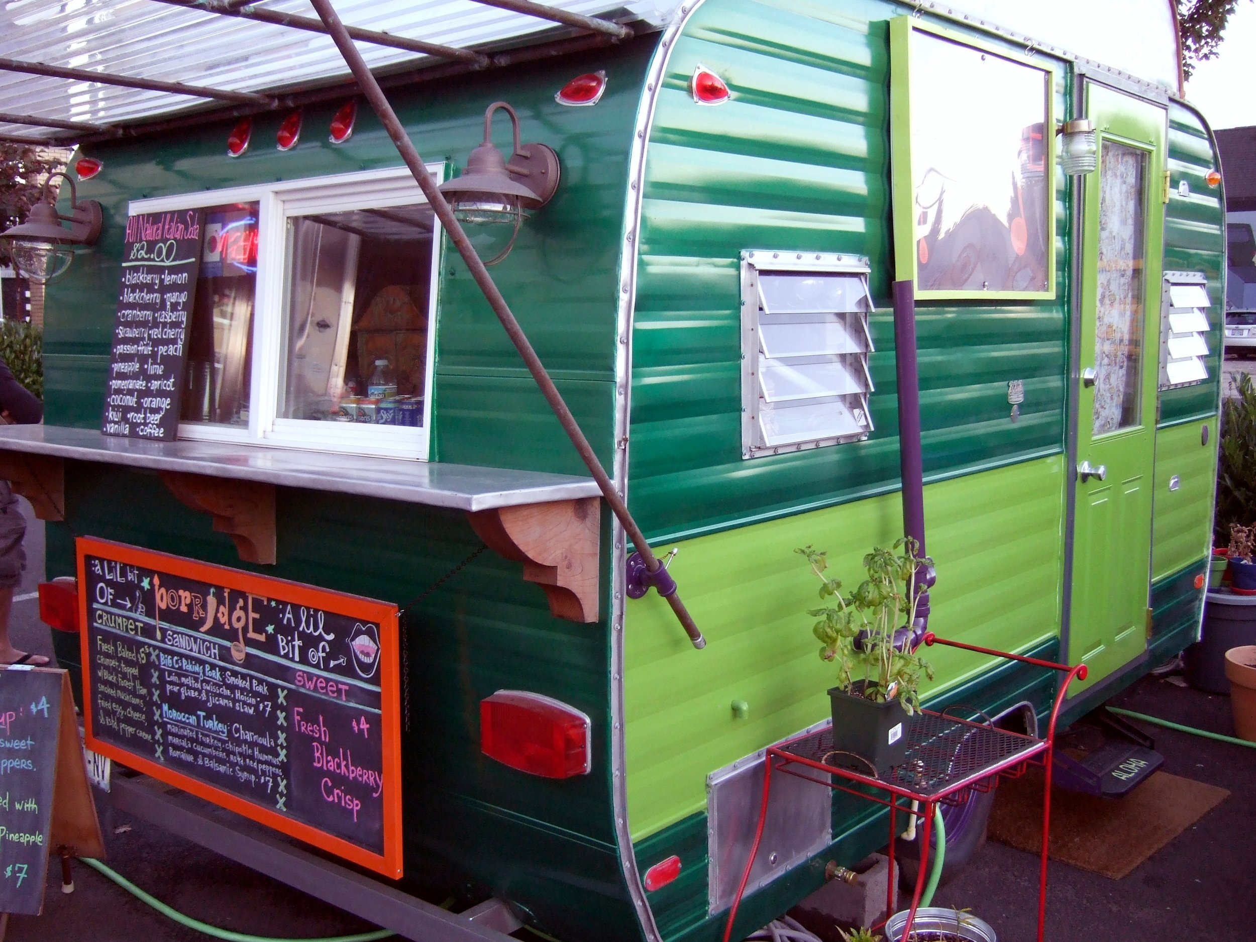 Probably on the tour: One of approximately 500 food carts in our fine city. Photo:  Flickr/bryan Ochalla